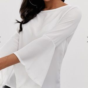 NWT bell sleeve white top